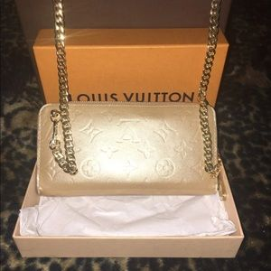 Auth Louis Vuitton Vernis Zippy Clutch